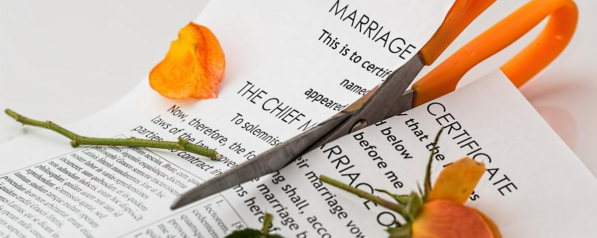 How is your credit rating affected by a divorce?